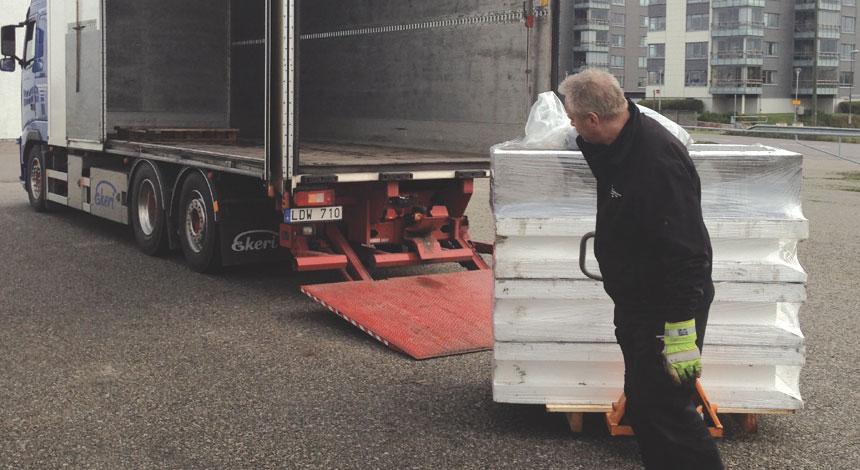 Bra leveransinformation vid beställning underlättar för en smidig materialleverans.